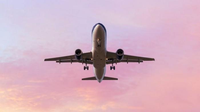 Чи можуть фекалії з літака впасти на людину? З одним британцем це сталося