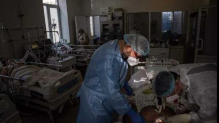 «Це конвеєр трупів»: крик душі лікаря Олександрівської лікарні вразив мережу